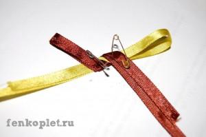 Плетение фенечки из двух лент