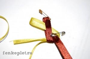 Пошаговый фотоурок плетения фенечки из лент