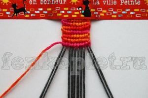 Как закончить фенечку прямого плетения конфеткой